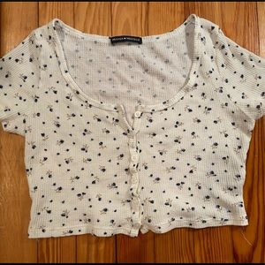 Brandy Melville cropped floral button top